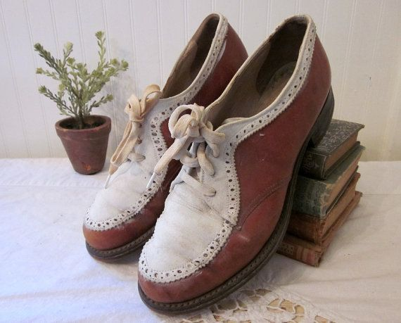 6fa4897656e77 vintage Golf Shoes, Spalding Women s cleated Oxford style lace ups, white  and rust