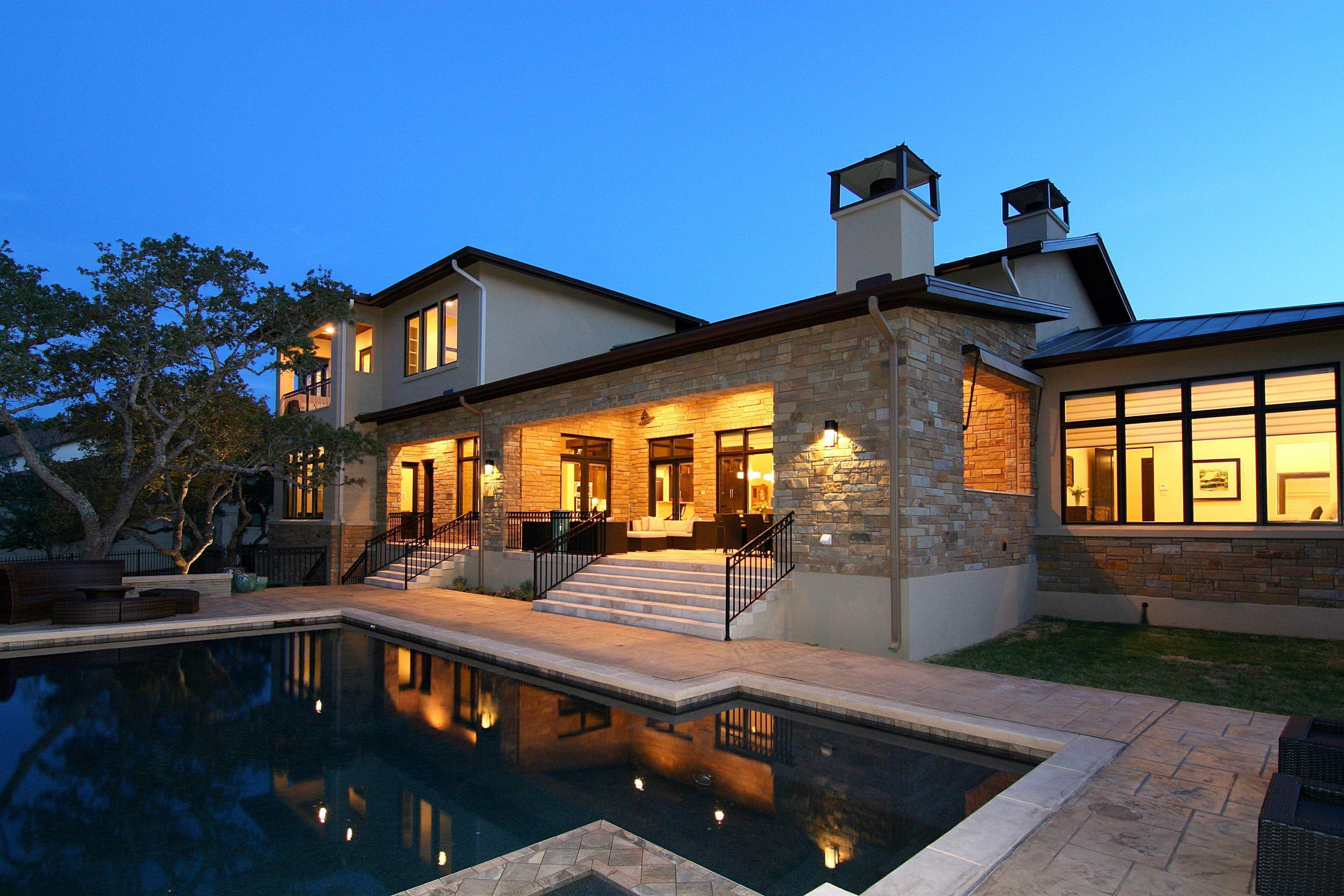 Extravagant luxury home with modern style for everlasting idea