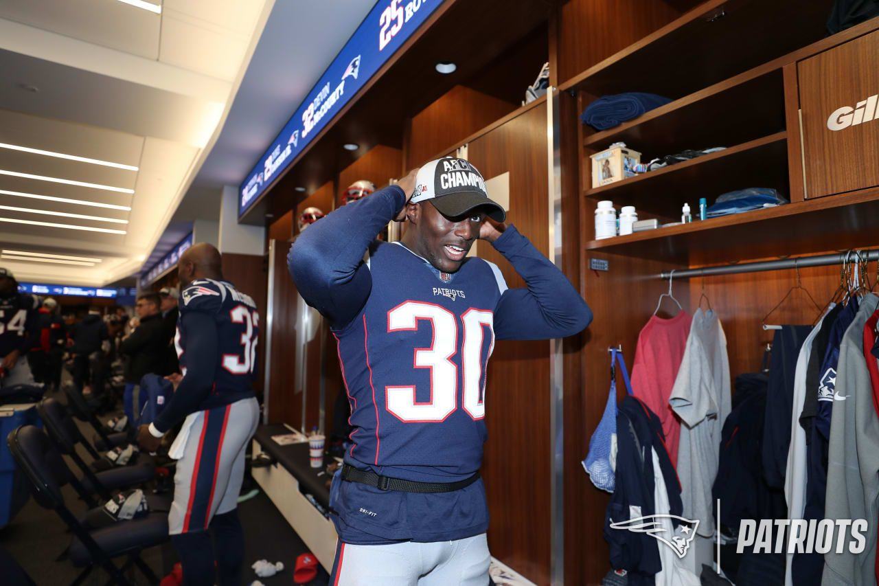 A Look Inside The Locker Room As The Patriots Receive Their Afc East Champs Hats And T Shirts Following Their 24 12 Win Over The Bu Patriots Champs Locker Room