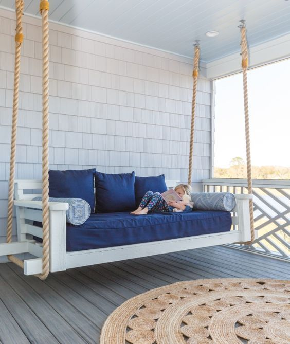 Beach House-Escape into the Blue with Interior Designer Lauren Leonard #beachcottagestyle