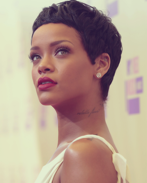 Rihanna Coupe de cheveux courte, Cheveux courts 2017 et