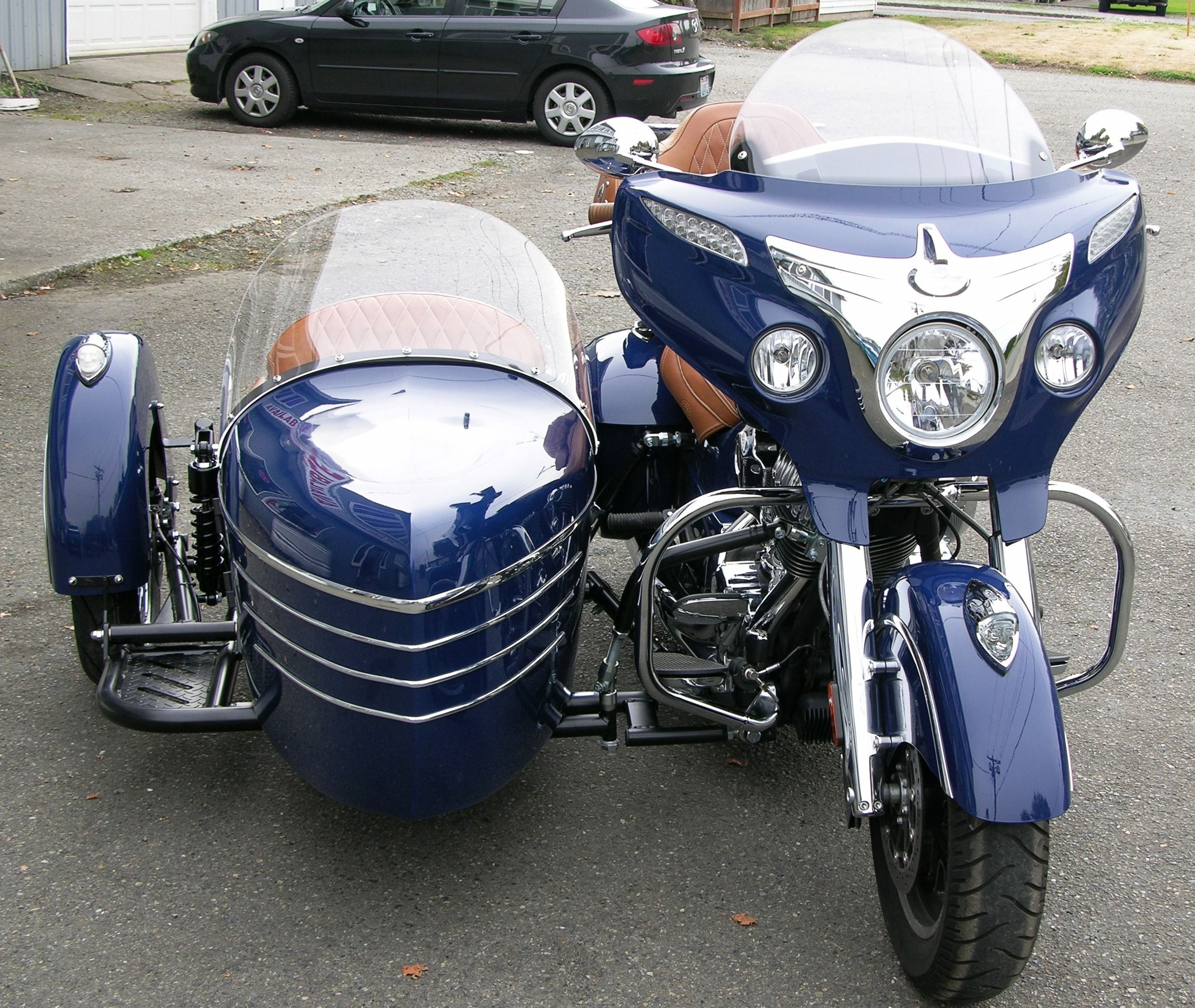 Indian roadmaster with a tomahawk se sidecar