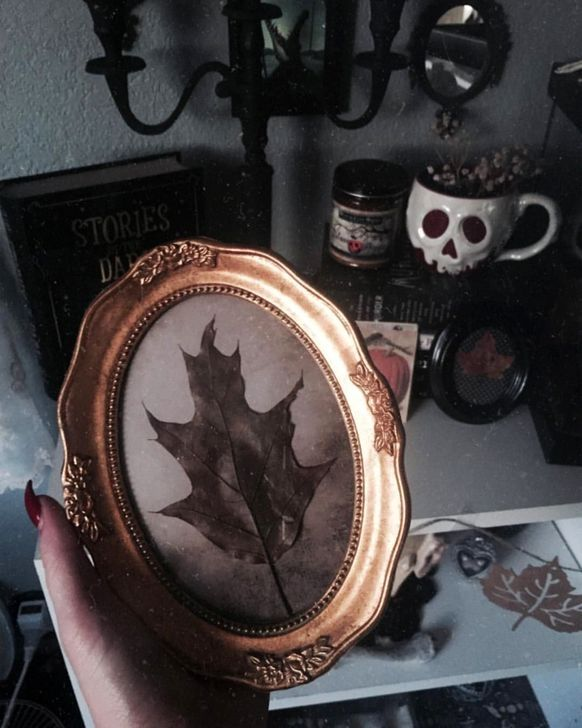 30+ Unique Gothic Home Decor For Halloween That Everyone Should Keep - WOWHOMY