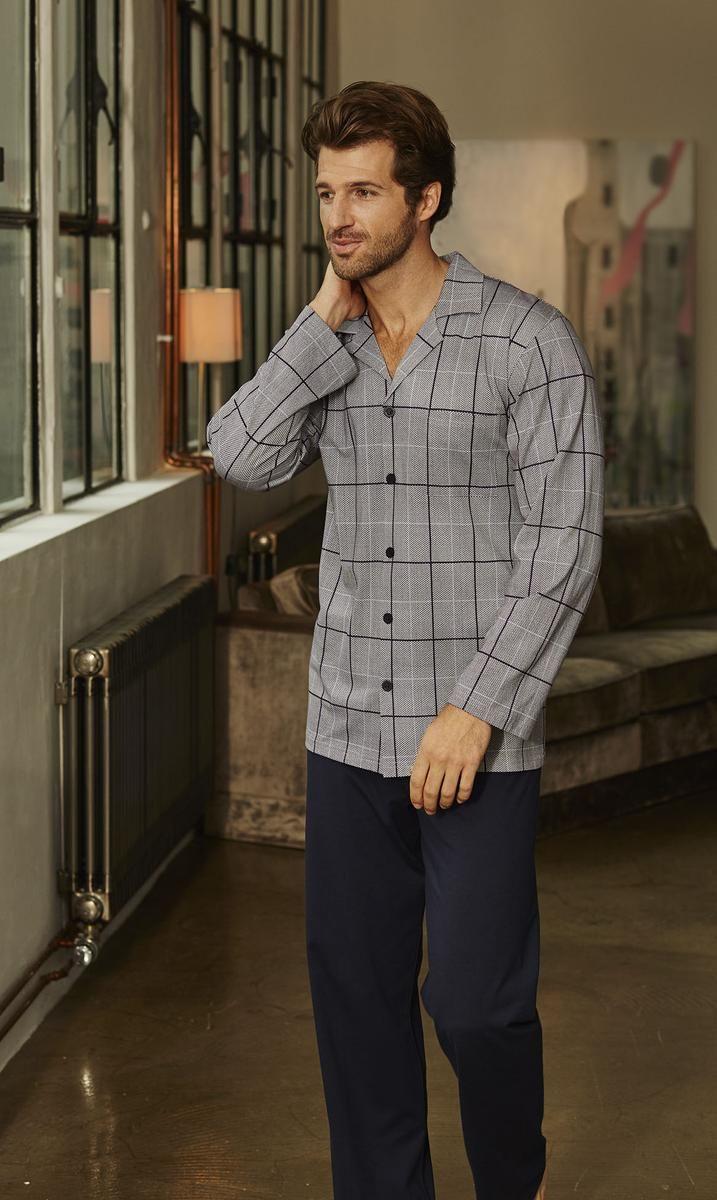 Ringella Men Pyjama 6441217 Das flotte Karo-Dessin ist hier klassisch in  durchgeknöpfter Reversform aufgemacht. Die Hose wird farblich in Uni  gehalten. f182d4abd