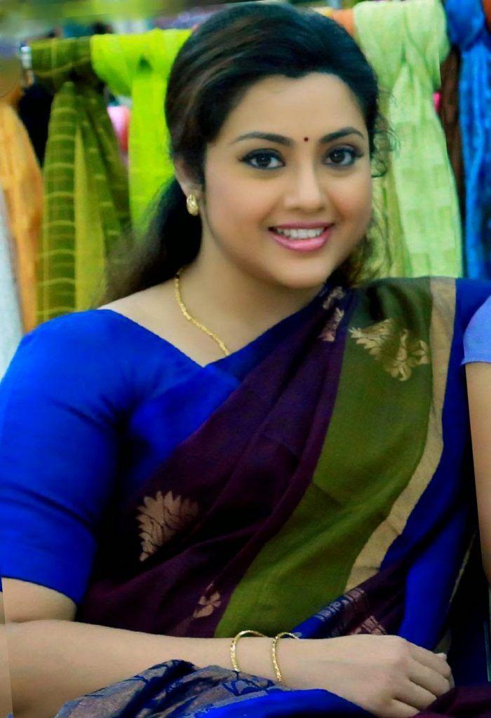 actress meena biography like sign height family pics biodata