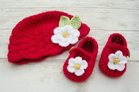 Baby girl shoes crochet booties little loafers by Ohprettypretty