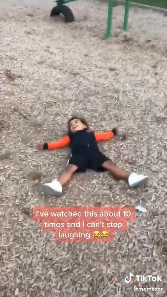 I kinda feel bad for laughing 😂🤣 [Video] | Really funny memes, Funny videos for kids, Funny baby memes