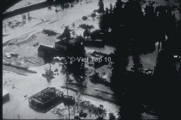 top 10 trận sóng thần kinh hoàng nhất trong lịch sử - việt top 10 - việt top 10 net - viettop10