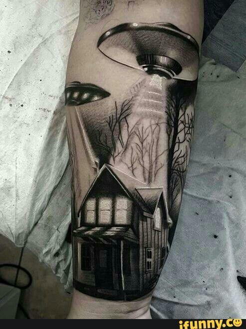 Love this idea #aliens#tattoo#blackandwhite | tattoos ...
