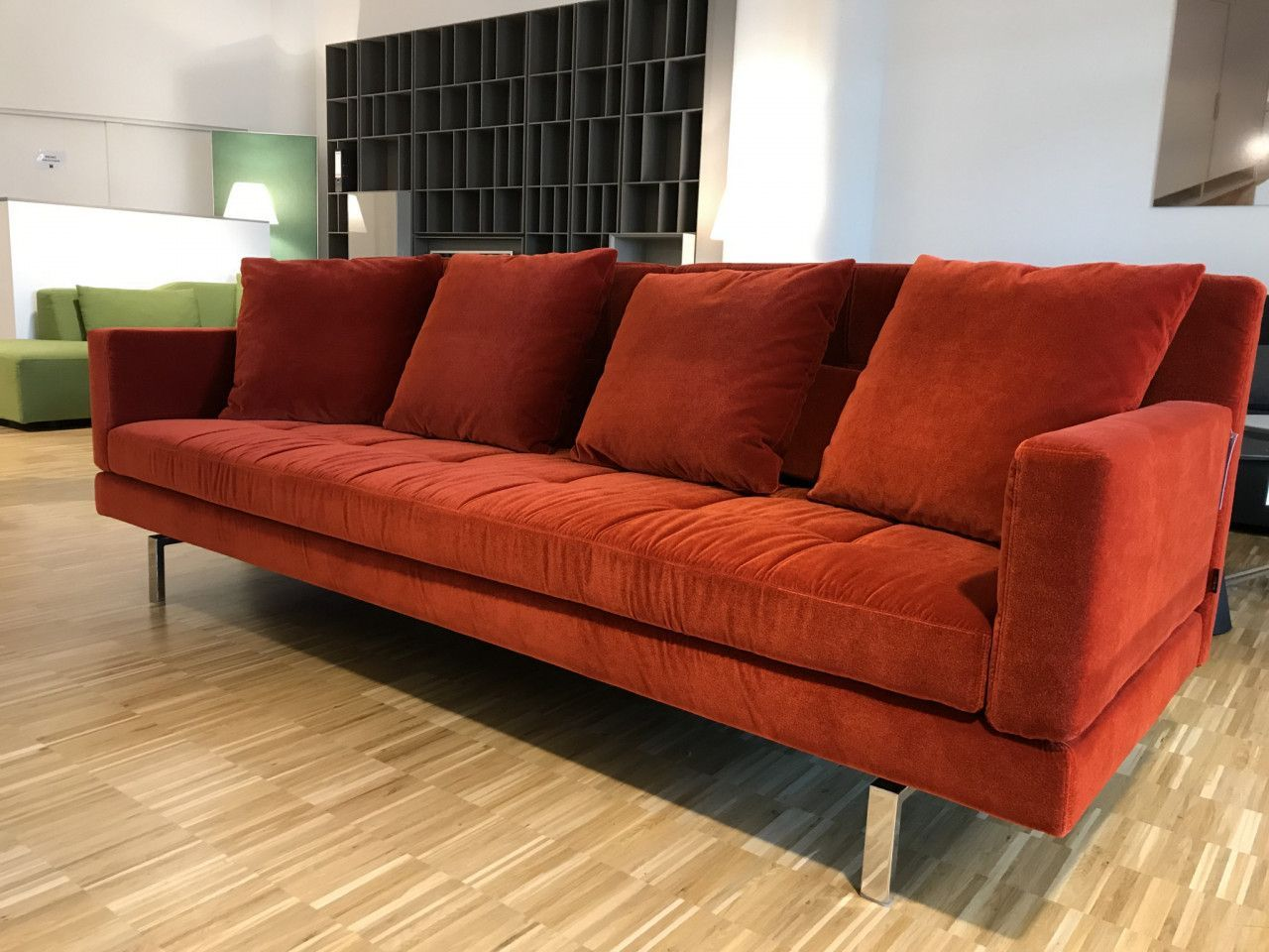 Sofa Amber Von Bruhl Couch Stoff Samt Velours Orange Wohnzimmer Einrichtung Designermobel Interior Interiordes Sofa Gemutliches Sofa Bequeme Sessel