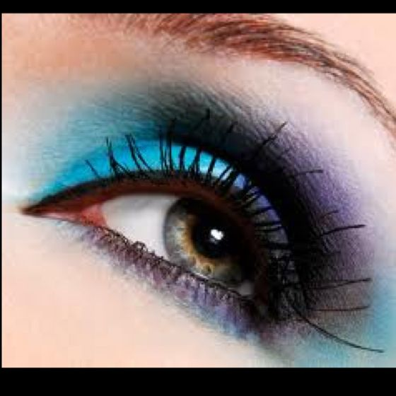 smoky eyes with teal
