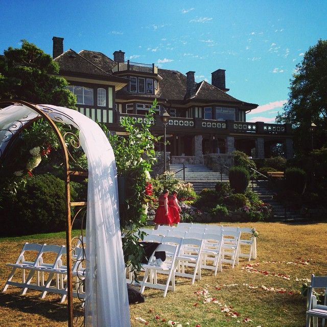 nice vancouver wedding Kinda beautiful spot for a wedding. Not bad @cecilgreenparkhouse not bad at all...  #vancouverwedding #vancouverweddingvenue #vancouverwedding
