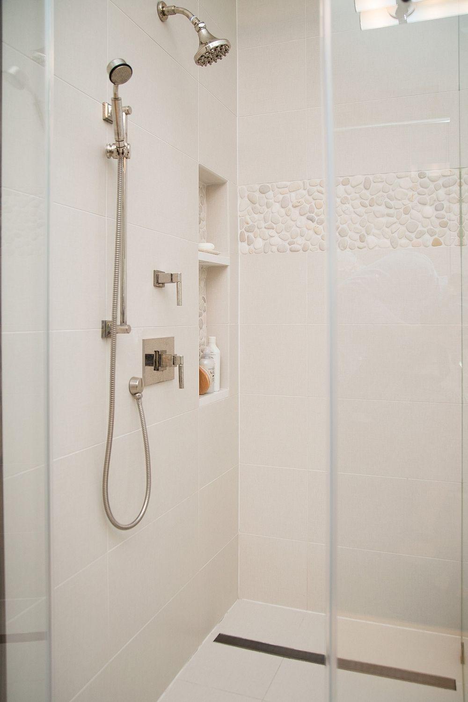 before after a master bathroom finally becomes the masterpiece its meant to be bder ideenduschengroe badezimmerhausbauregalewohnenkleines - Kleines Bad Grosse Dusche