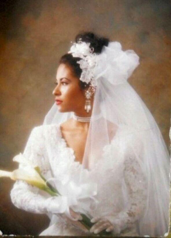 Our Beautiful Queen In Her Wedding Dress Selena Quintanilla Perez