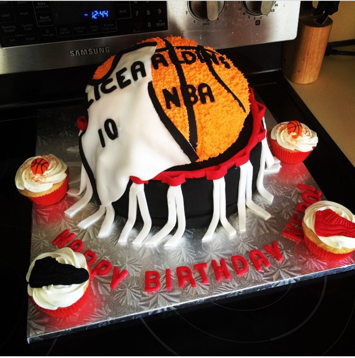 NBA Basketball Hoop cake Cakes n Cupcakes Pinterest Best Nba