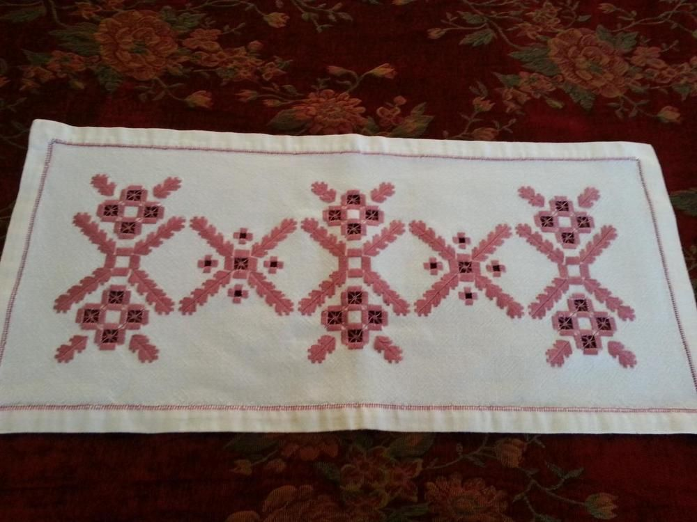 Vtg Scandinavian HARDANGER Table Runner DUSTY ROSE Hand Done Doily 13x28' #Handmade