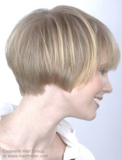 Ear Length Haircut For Women With Blonde Hair Very Short Bob