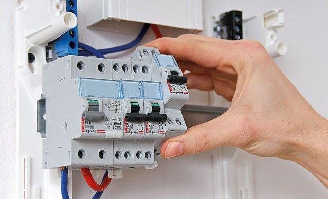 Poser des modules sur un tableau électrique Tableau electrique - Photo Tableau Electrique Maison