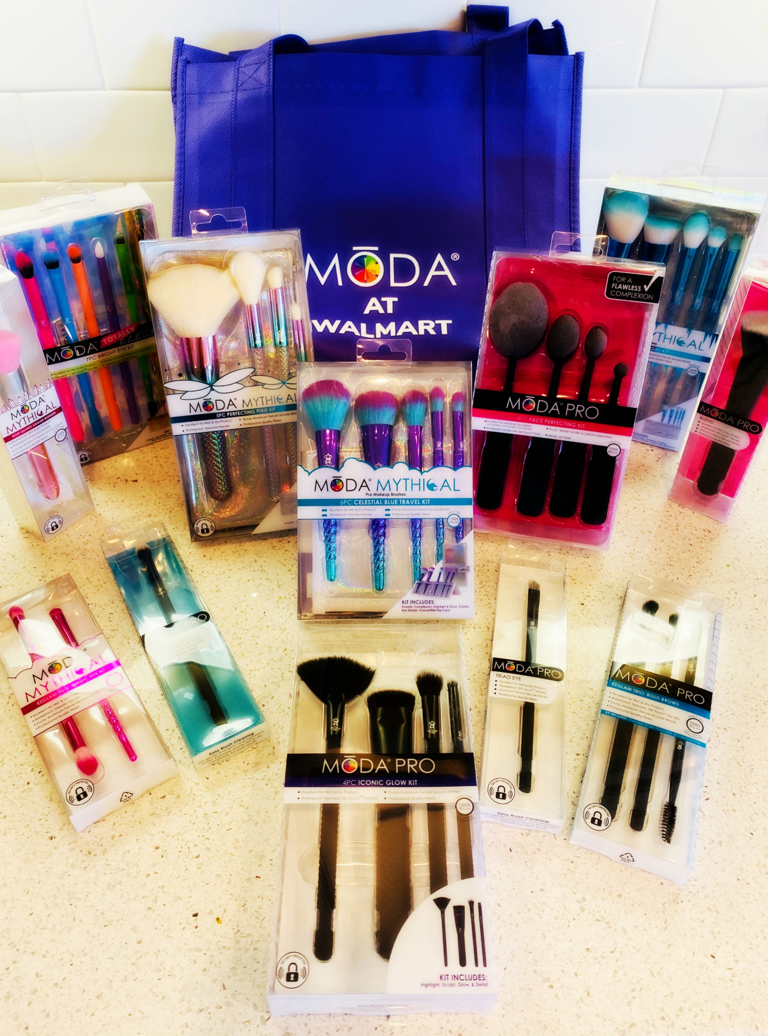 Get Beautiful this Holiday Season with MŌDA Makeup Brushes