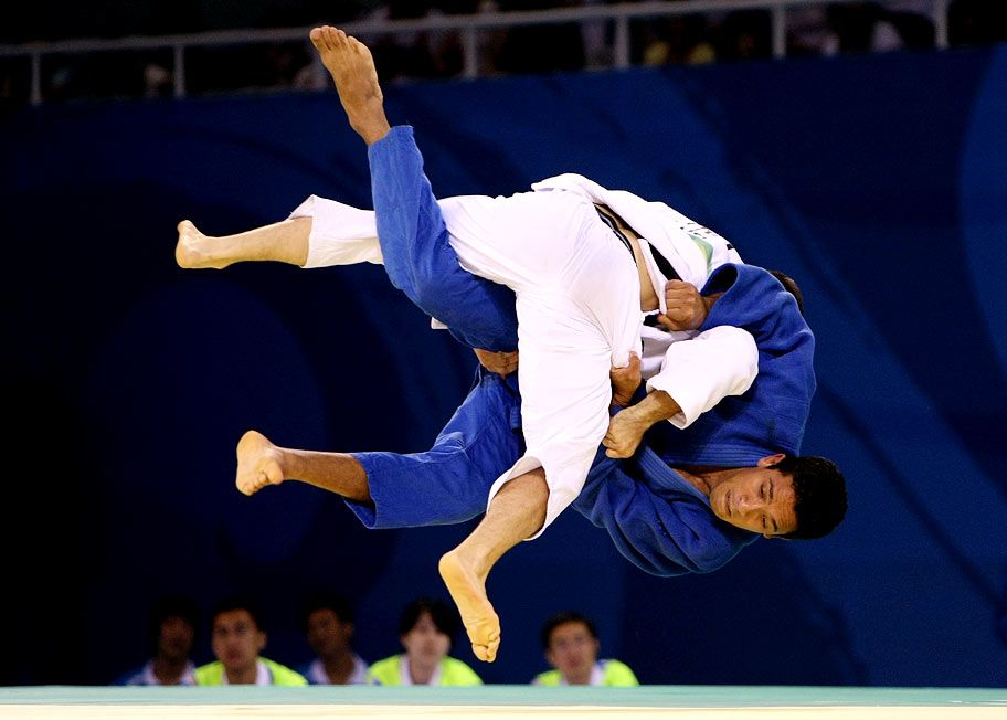 Counter Throw By White Judogi