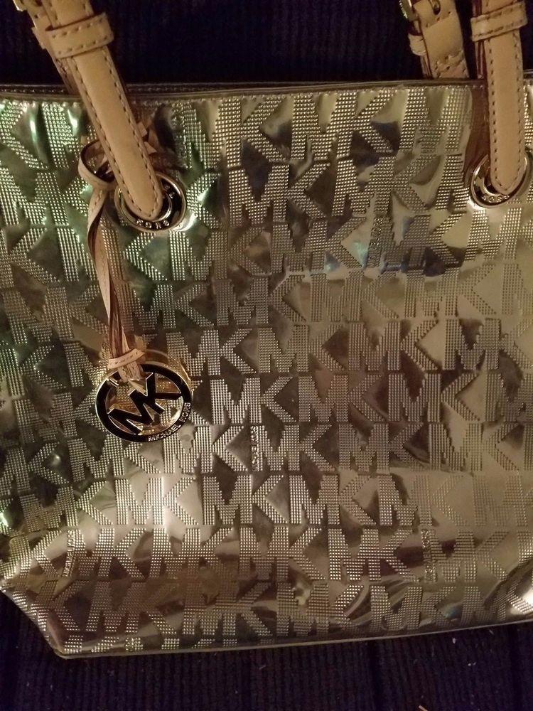 0de2e9900914 Michael Kors Gold Purse Bag MK Shiny Gold Style Fashion Leather Strap Logo  Charm #MichaelKors #Tote