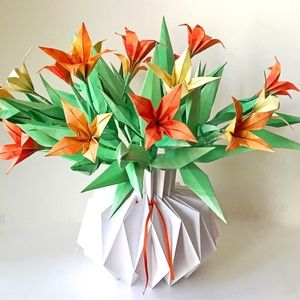 Origami flower arrangement in origami vase medium origami flower origami flower arrangement in origami vase mightylinksfo