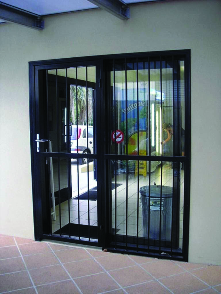 Moving Door Styles For Bedroom Homes Tre Sliding Glass Doors Patio Glass Doors Patio Sliding Glass Door