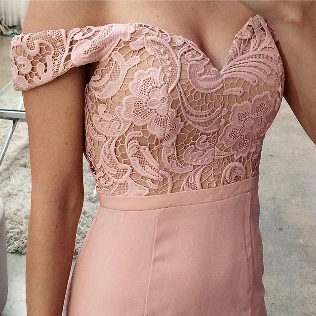 Close up of #whiterunway\'s Elana Maxi | vestidos familia | Pinterest ...