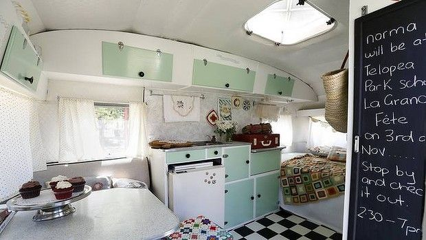 The 25+ best Vintage caravan interiors ideas on Pinterest ...