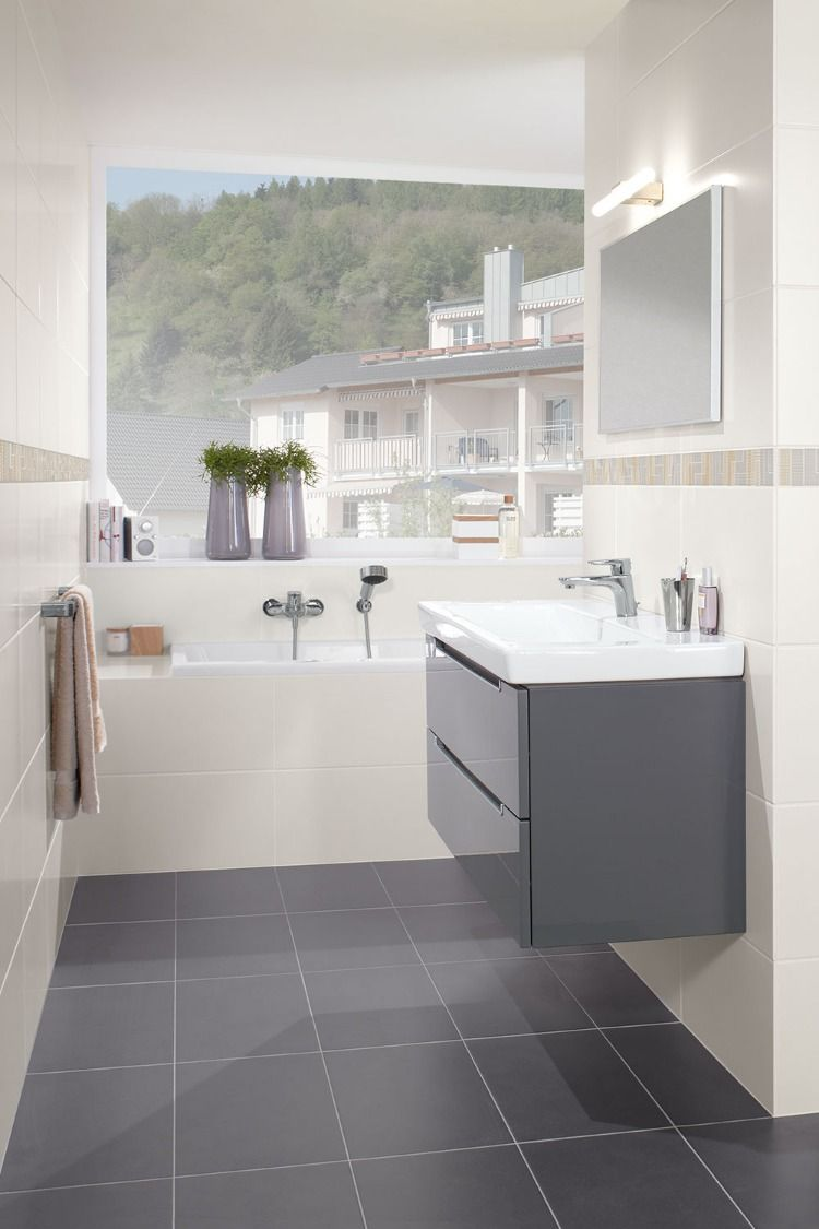 Ein Bad Ganz Schlicht Stilvoll Klassisch Zeitlos Gunstige Fliesen Fliesen Moderne Einrichtung