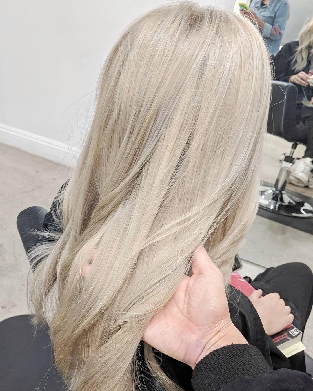 "Polubienia: 1,198, komentarze: 11 – james miju (@dearmiju) na Instagramie: ""Light beige @mijuvansalon @fanola .7 . . . #losangeleshair #beigehair #mijuvansalon #fanola…"" #lightashblonde"