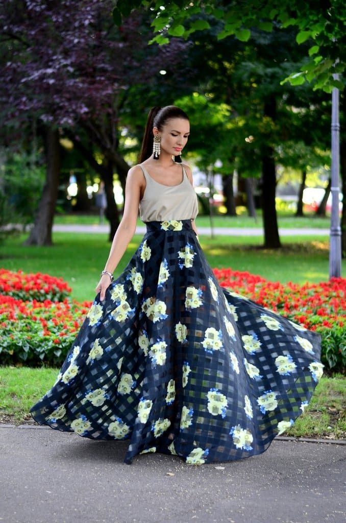 4c2cf8be0aaa Latest Trendy Maxi Skirt Outfit Ideas for Fashion Girls