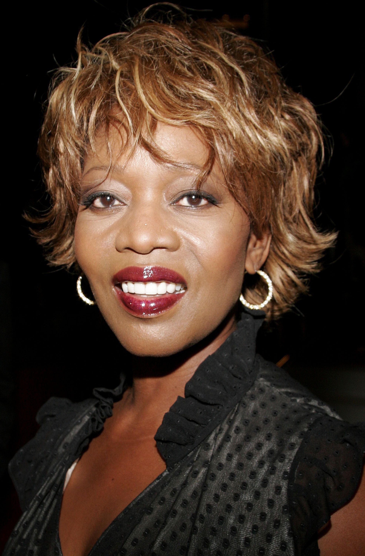 Alfre Woodard Short Celebrity Hairstyles Women Over 60 l