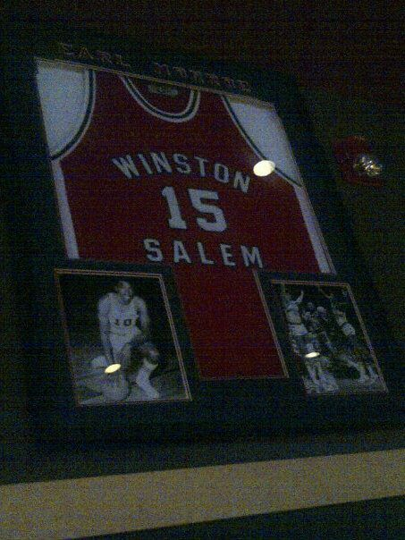 One of our great Winston Salem State Alums..Earl the Pearl Monroe! Adventures at Bdubs #wings