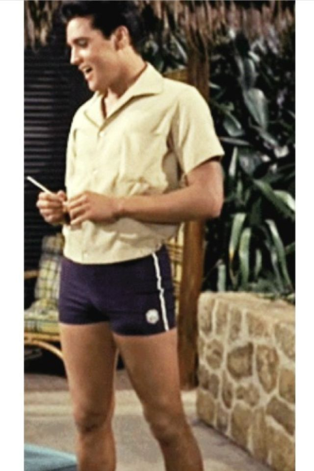 "Only Elvis can look that good in ""short shorts""…;) (avec images)"
