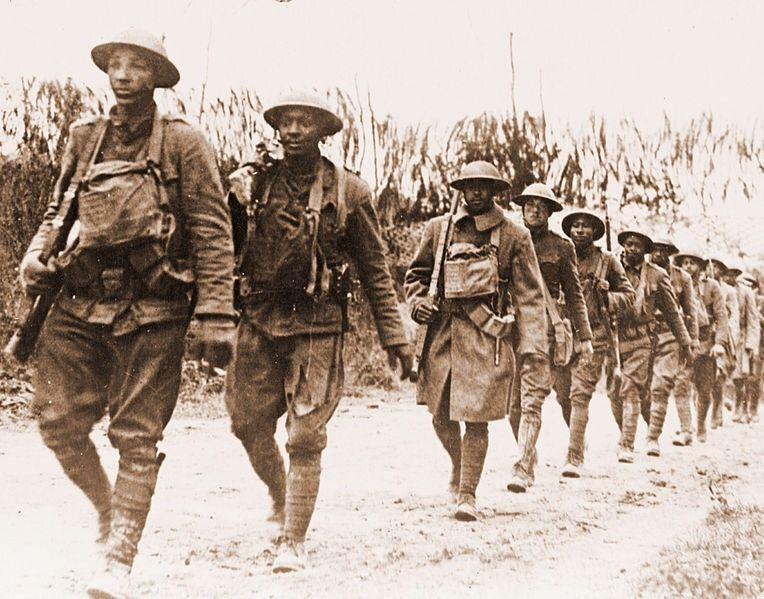 Cool Photo Of Some African American Soldiers Marching Near Verdun American Soldiers Wwi World War One