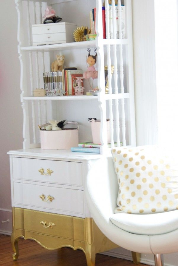 One Room Challenge – PHOEBE'S GOLD, WHITE AND BLUSH BEDROOM MAKEOVER REVEAL!