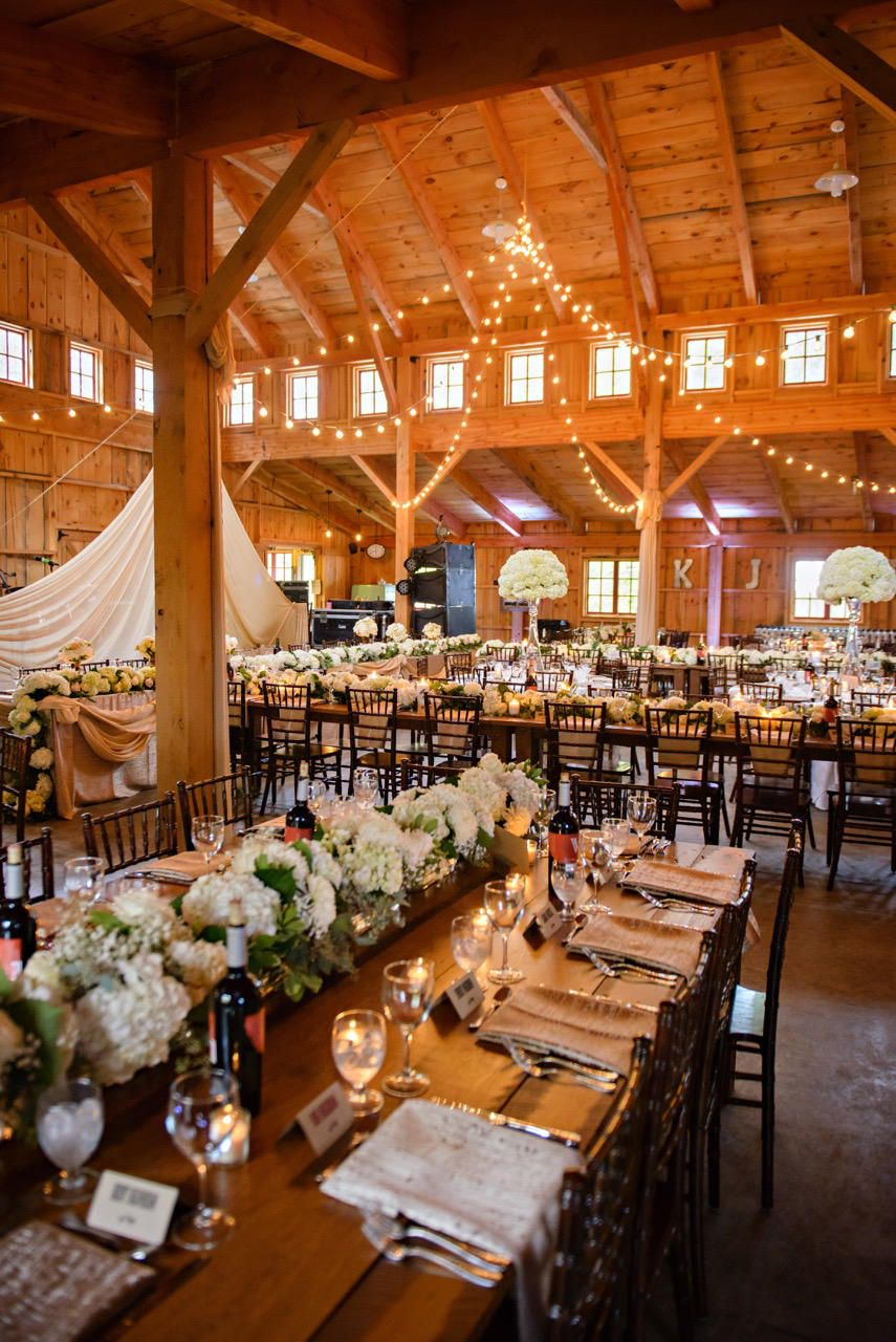 BWB Ranch is a barn wedding venue in Minnesota. It is the
