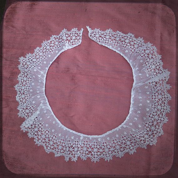 Antique French round Collar Lace and embroideries on net - Vintage Fine Hadmade Trim Fashion linen from France