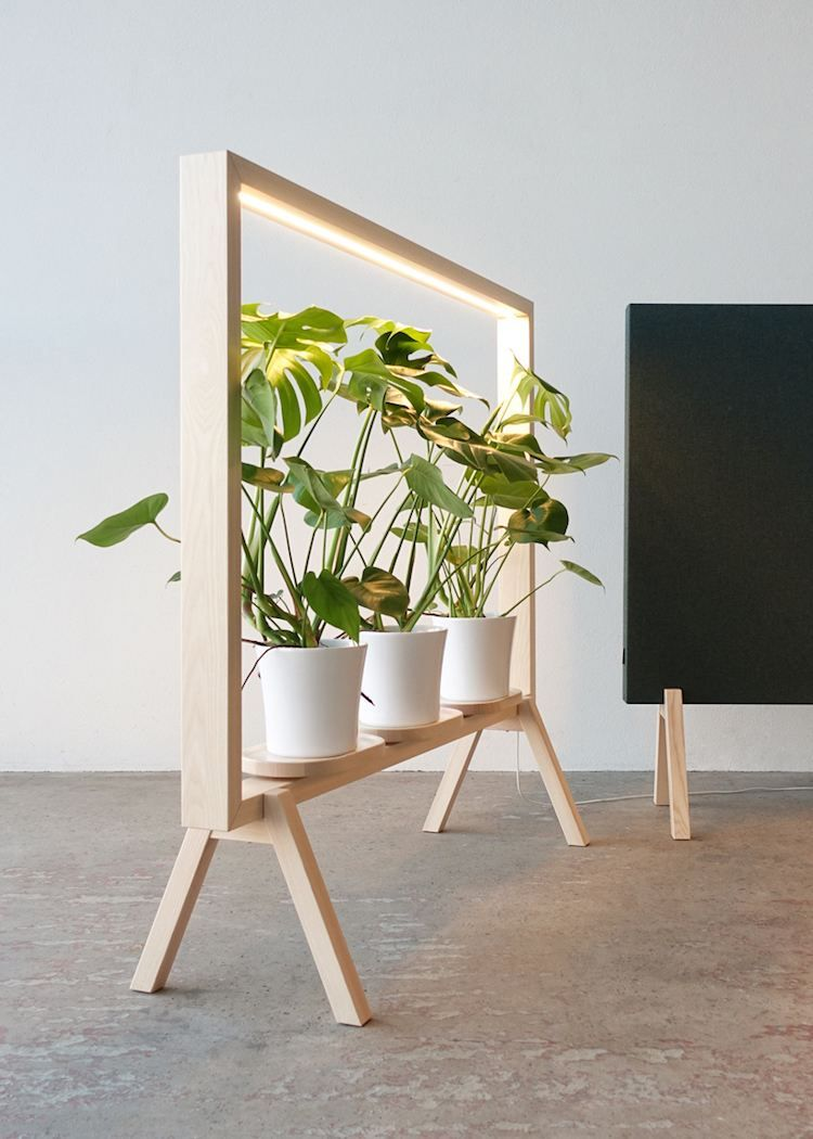 d couvrez l 39 tag re porte plante qui transforme la verdure en uvre d art growth points. Black Bedroom Furniture Sets. Home Design Ideas