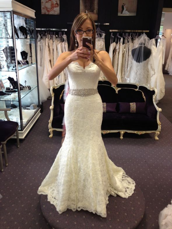 White And Gold Wedding Scalloped Sweetheart Neckline Lace Beaded