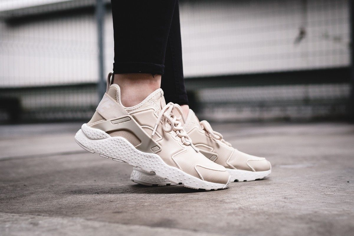W Air Huarache Run Ultra Si