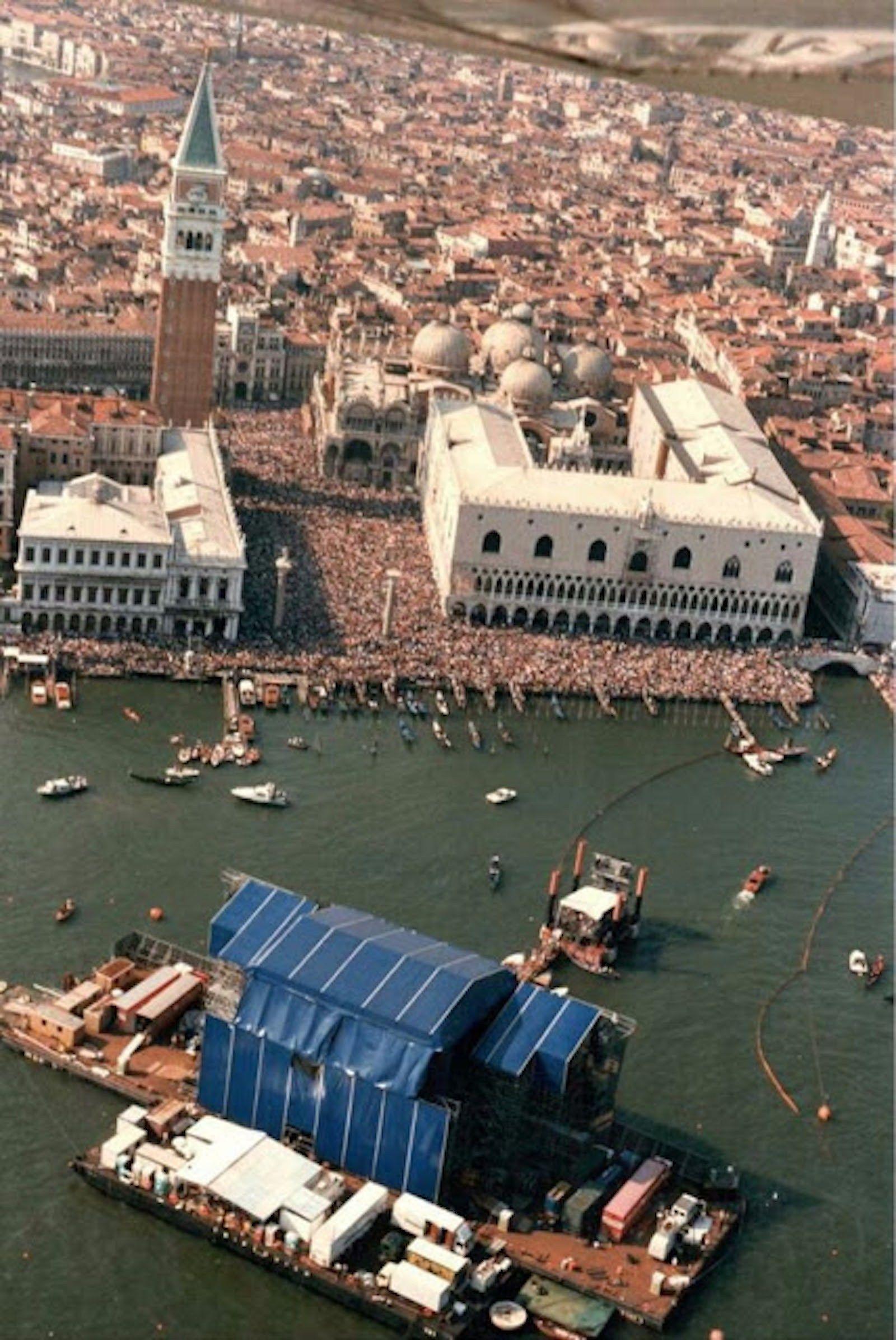 Грандиозное шоу Пинк Флойд в Венеции, 15.07.1989 (26 фото ...