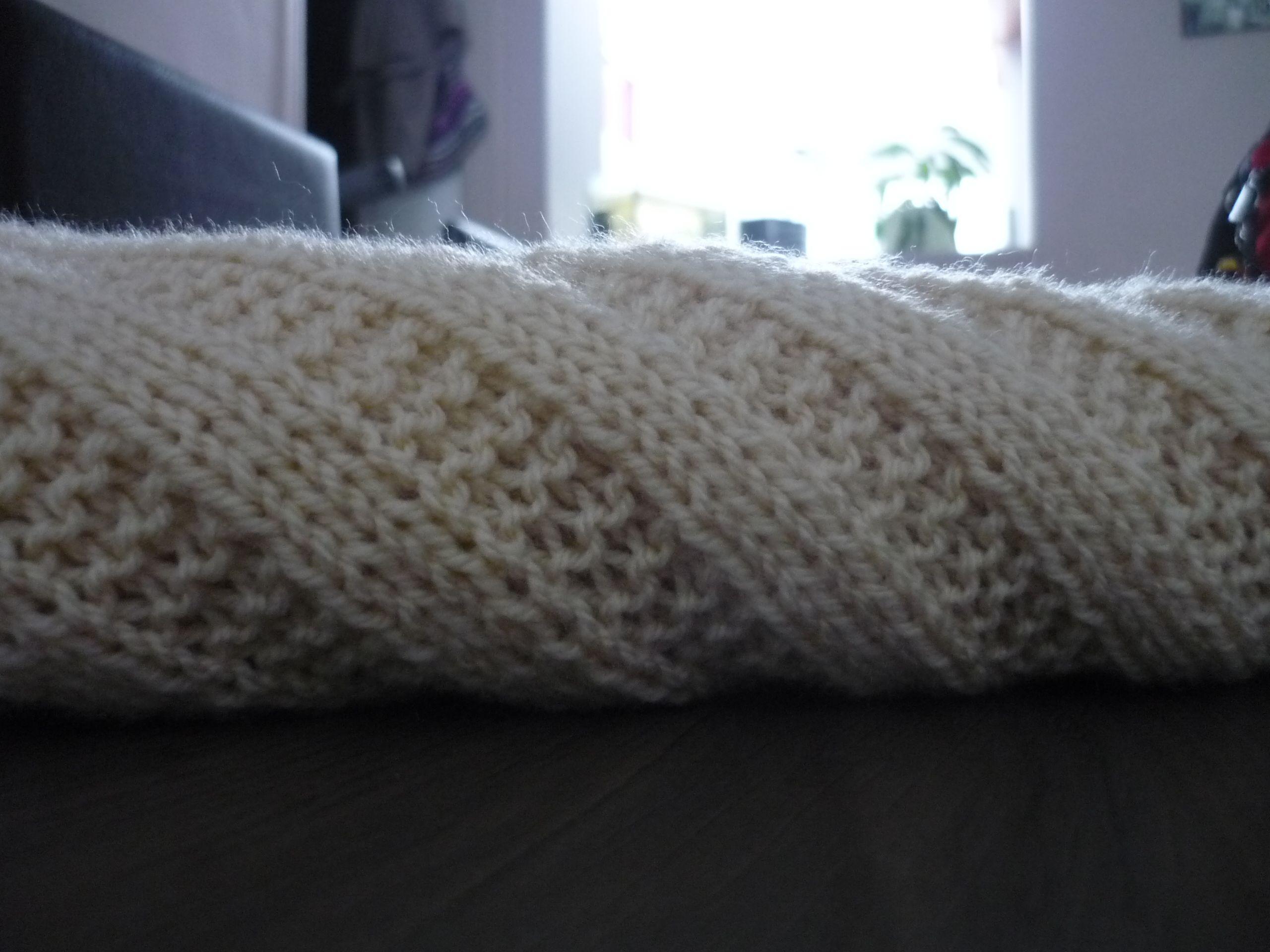 Mod le couverture b b tricot debutant tricot pinterest couverture b b couverture b b - Modele tricot bebe gratuit debutant ...