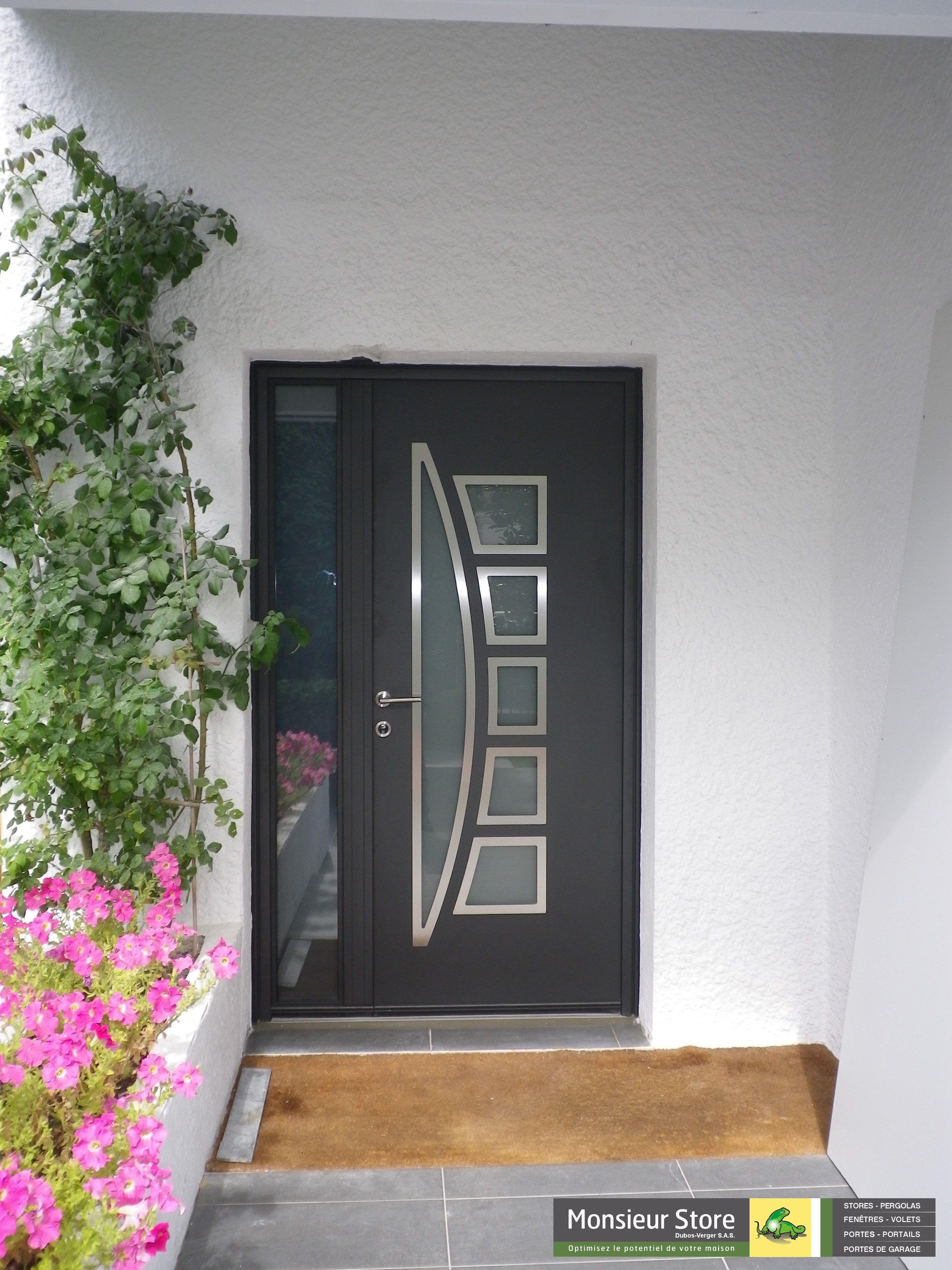 Porte Du0027entrée Tiercée Aluminium Bicolore : Gris Pour Valoriser Votre  Façade Extérieure Et Blanc