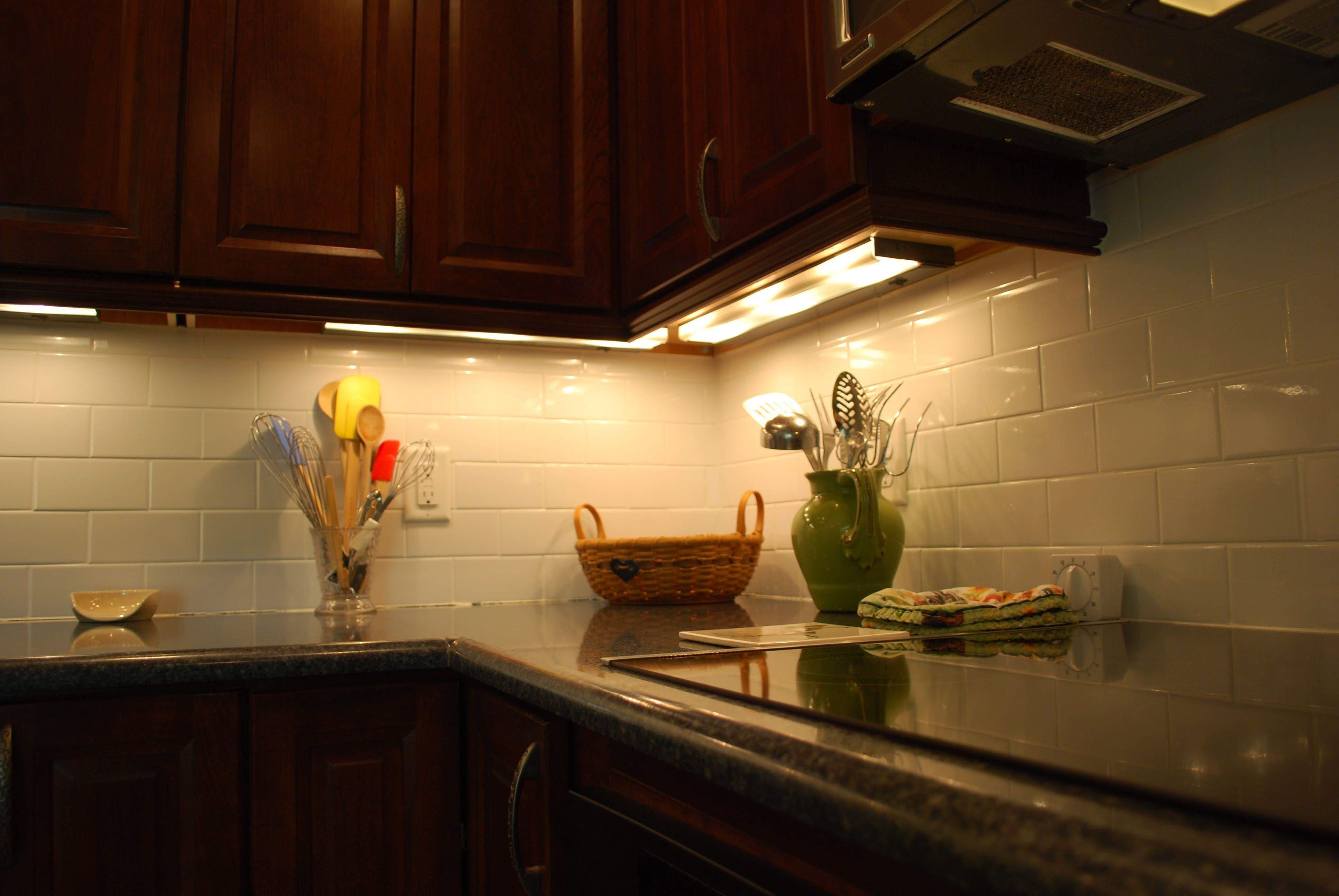 Utilitech Under Cabinet Lighting Xenon