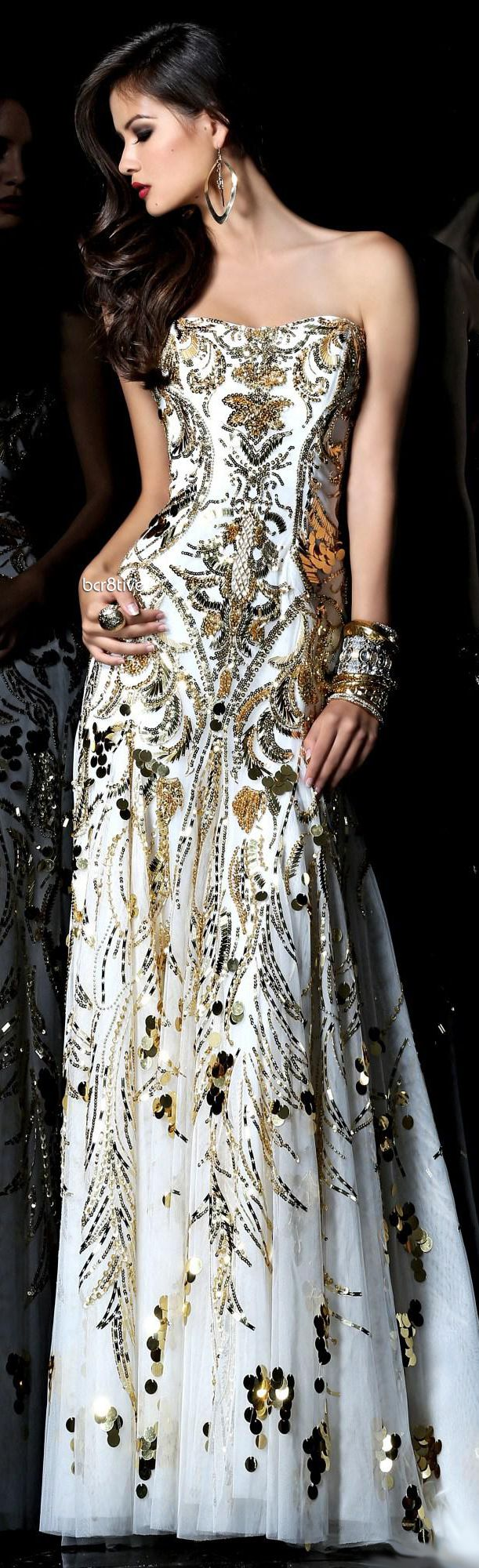 The grunge style of the us gold gown sherri hill white and gowns
