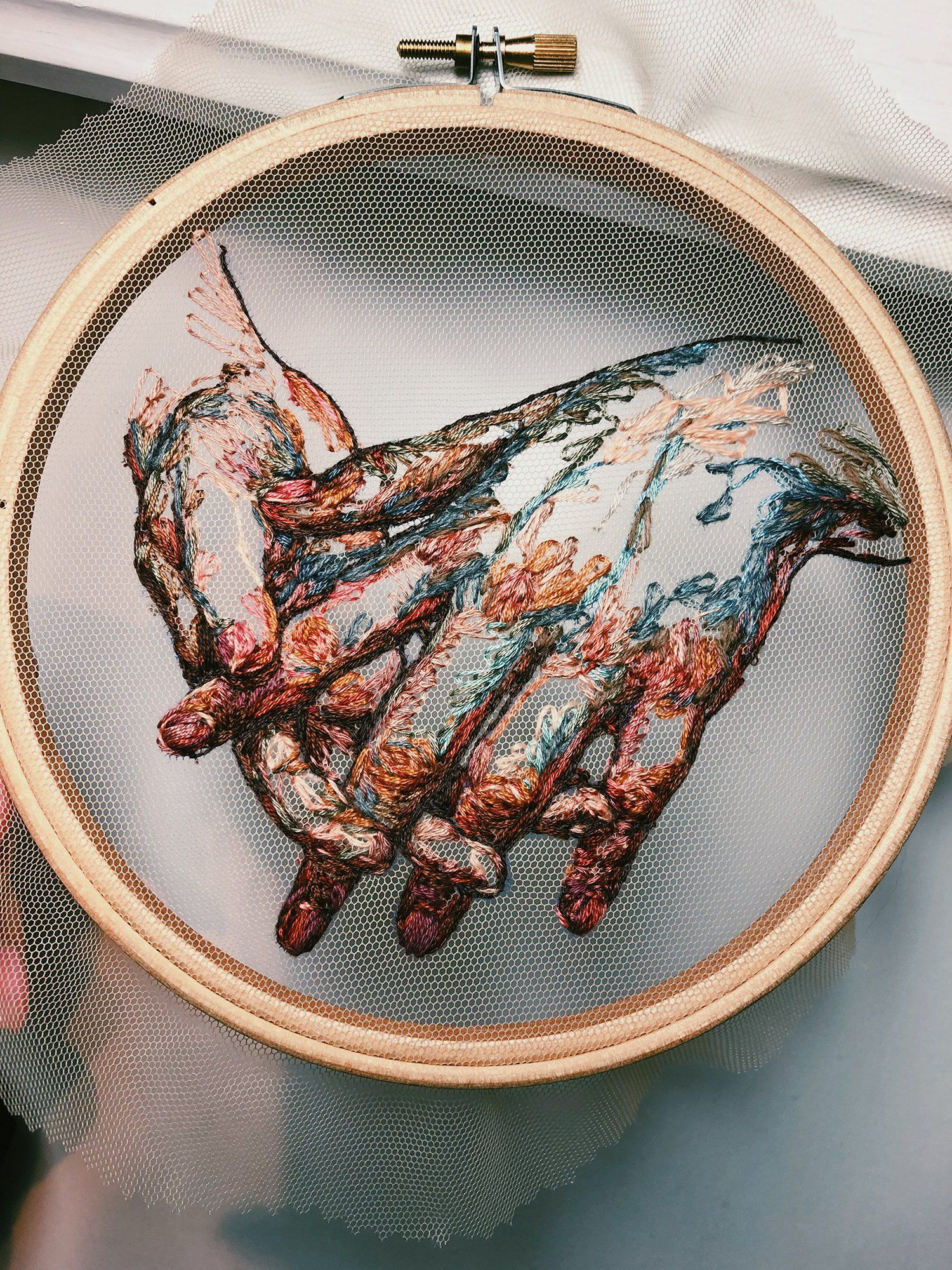 El arte del bordado en tul según Katerina Marchenko - Cultura Inquieta
