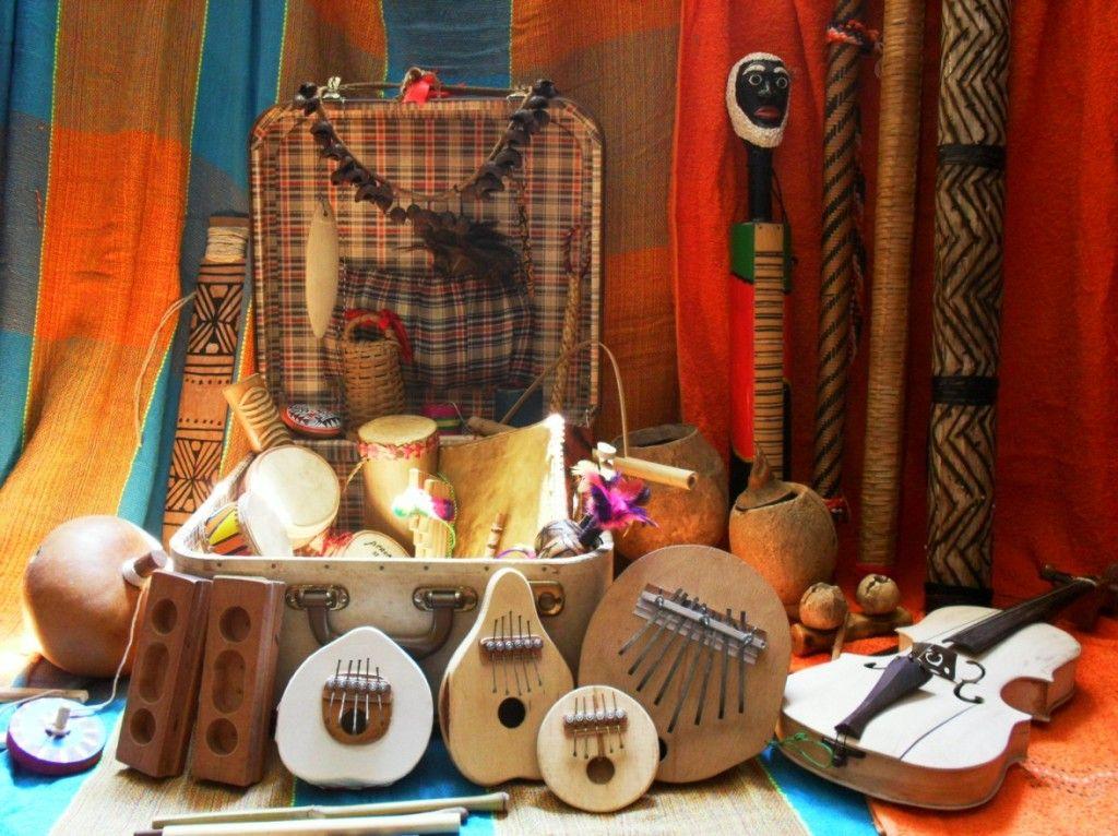 Instrumentos musicais indígenas. | Instrumentos musicais