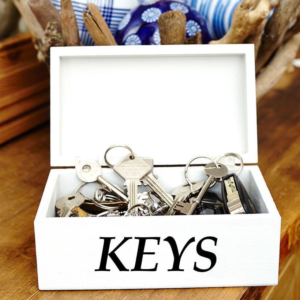 stay organised with a pretty key box  key box place card